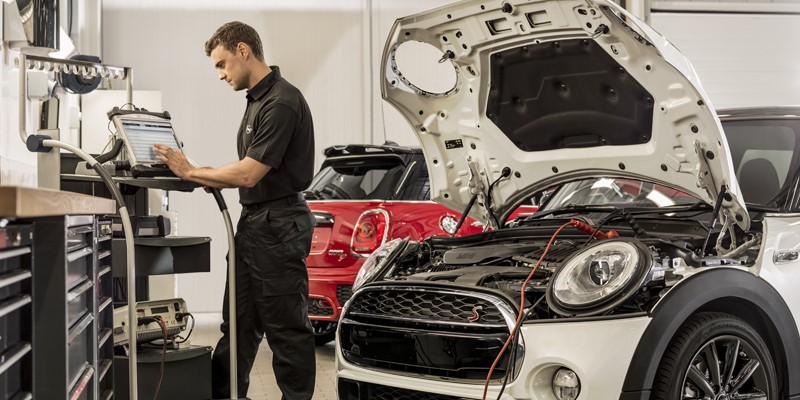 mini service, mini servicing, oil filter service, brake pads, discs, microfilter service, mini, lloyd, servicing