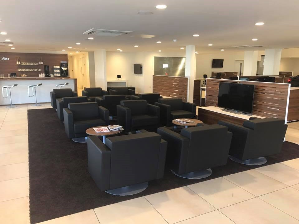 Carlisle BMW customer waiting area.