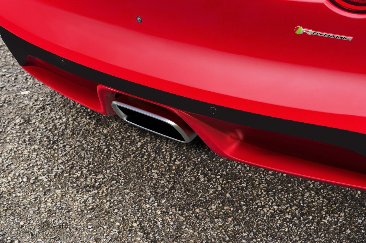 F-TYPE-SVR-exterior-red-exhaust