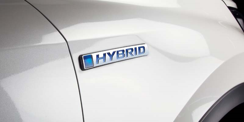 19YM-CR-V-Hybrid-Badge-News-Lloyd-Honda