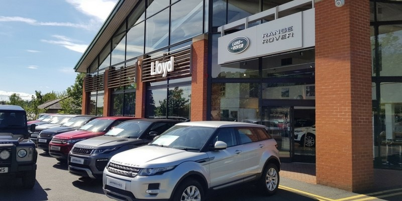 2018-Q1-News-Header-Lloyd-Land-Rover-Ripon