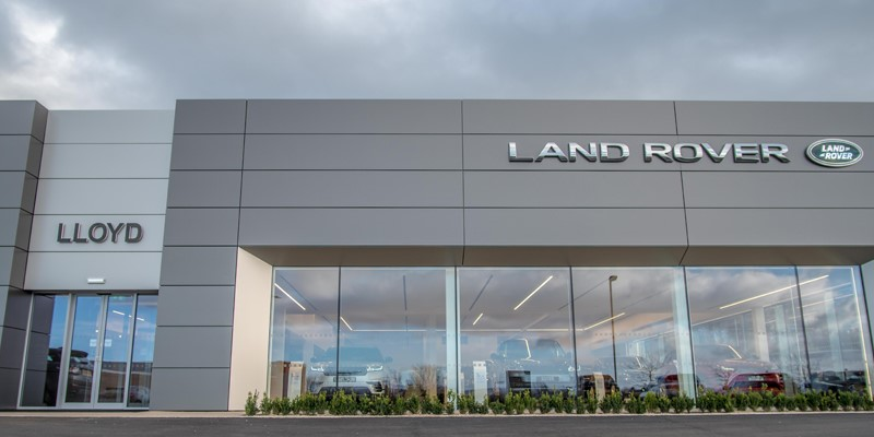 Lloyd, Land Rover, Kelso, showroom, new