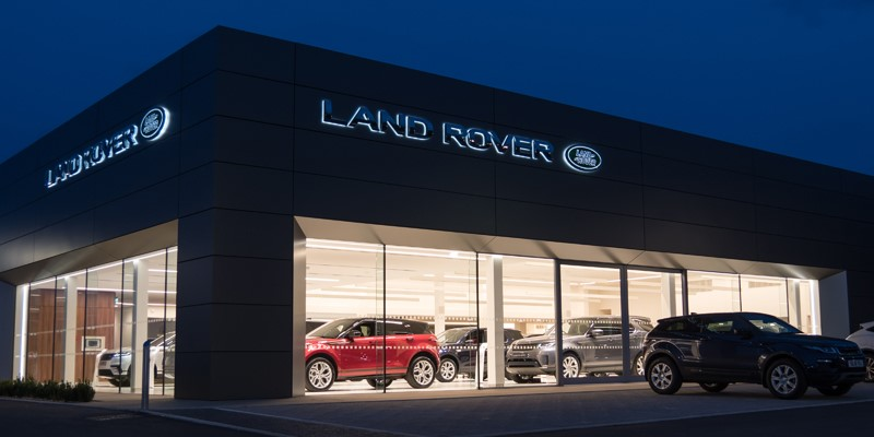 Lloyd Land Rover Kelso, new showroom, night