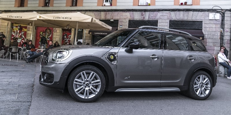 MINI_COUNTRYMAN_PHEV_HEADER
