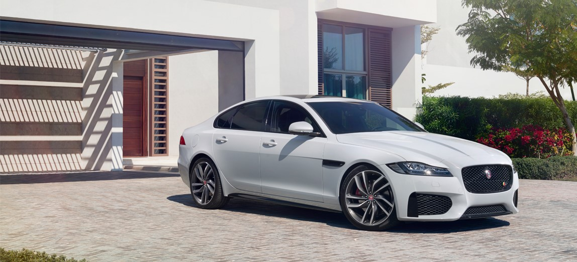 JAGUAR Offer JAGUAR XF R Sport Black Edition Automatic | Lloyd Motor Group