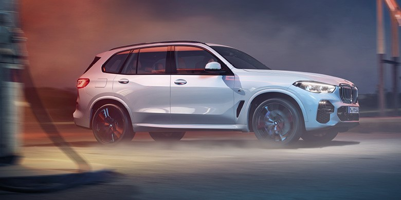 Forget what you know about sports utility vehicles, the BMW X5 has been redesigned and rebuilt from the wheels up and has new levels of luxury, connectivity and performance. Whatever adventures lie ahead, know you can.