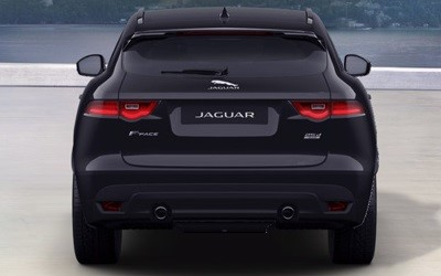 2018-Q1-Offers-F-PACE-Black-Edition-parking-pack