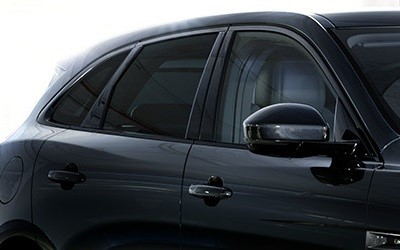 2018-Q1-Offers-F-PACE-Black-Edition-privacy-glass