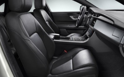 2018-Q1-Offers-F-PACE-Black-Edition-reclining-seats