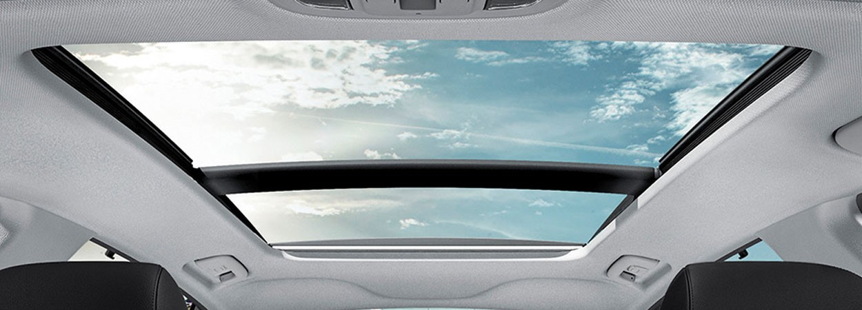Kia-Optima-SW-Panoramic-Sunroof