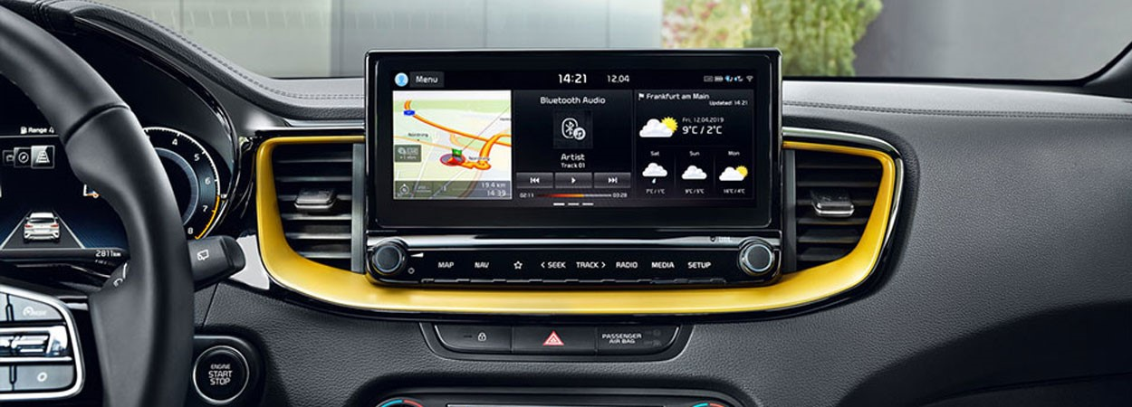 Kia-Xceed-Enjoy-Entertainment-on-a-Big-Scale