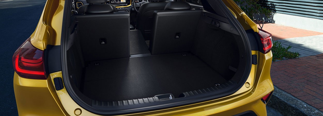 Kia-Xceed-Folding-Seats-and-Boot-Space