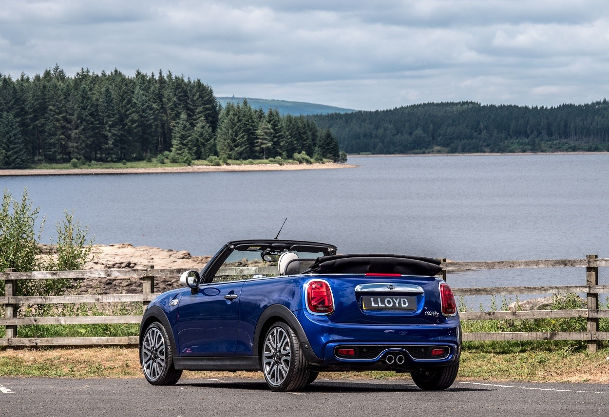 MINI-Convertible-Lloyd-Offer-3