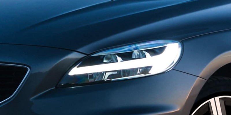 Lloyd Volvo Carlisle V40 R-Design Headlights